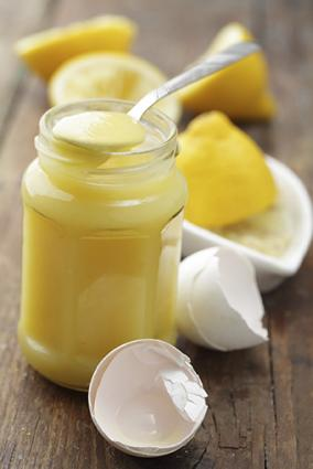Lemon curd with eggs
