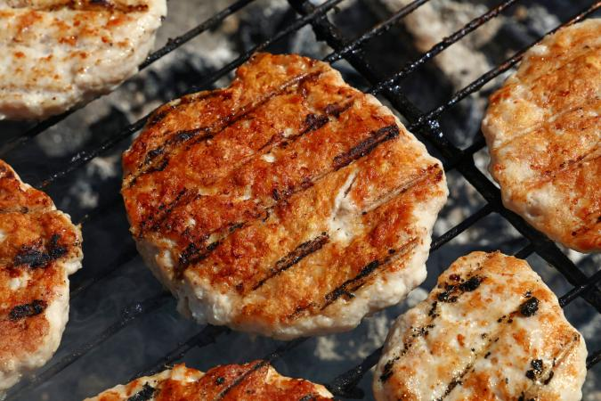 Cooking turkey burgers on the grill