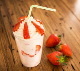Strawberry Milkshake Serving Suggestions