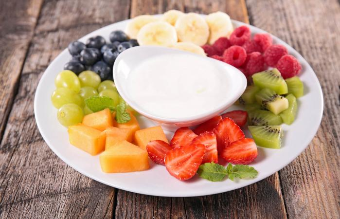 Fruits and dip