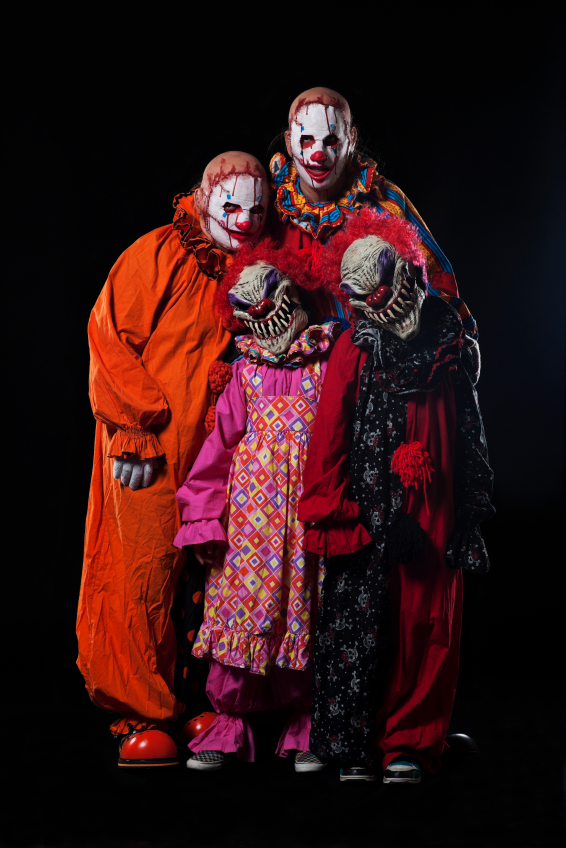 group-costume-scary-clowns.jpg
