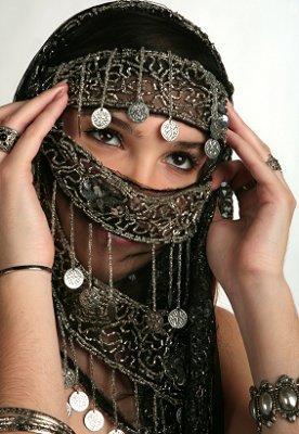 https://cf.ltkcdn.net/costumes/images/slide/104958-276x400-gypsy10.jpg