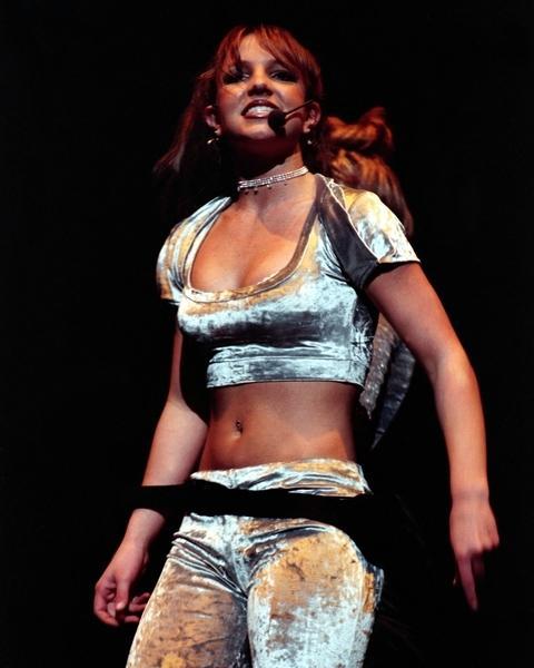 https://cf.ltkcdn.net/costumes/images/slide/104976-480x600-Spears-10.jpg