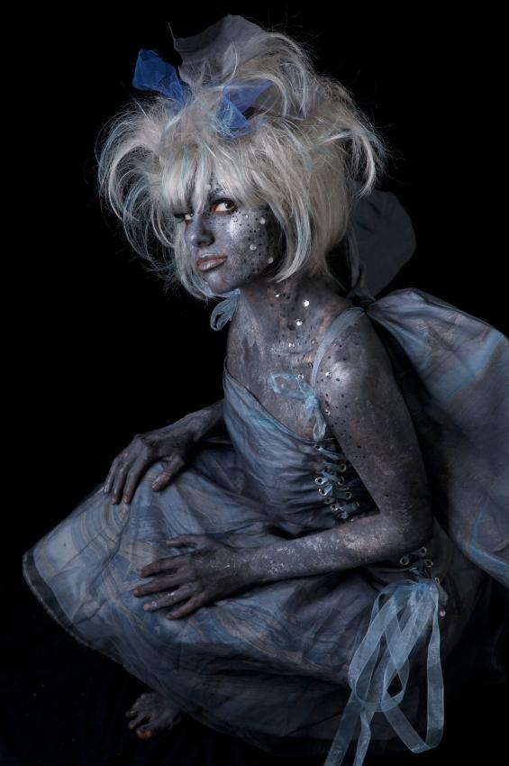 https://cf.ltkcdn.net/costumes/images/slide/105091-565x850-storm-fairy.jpg
