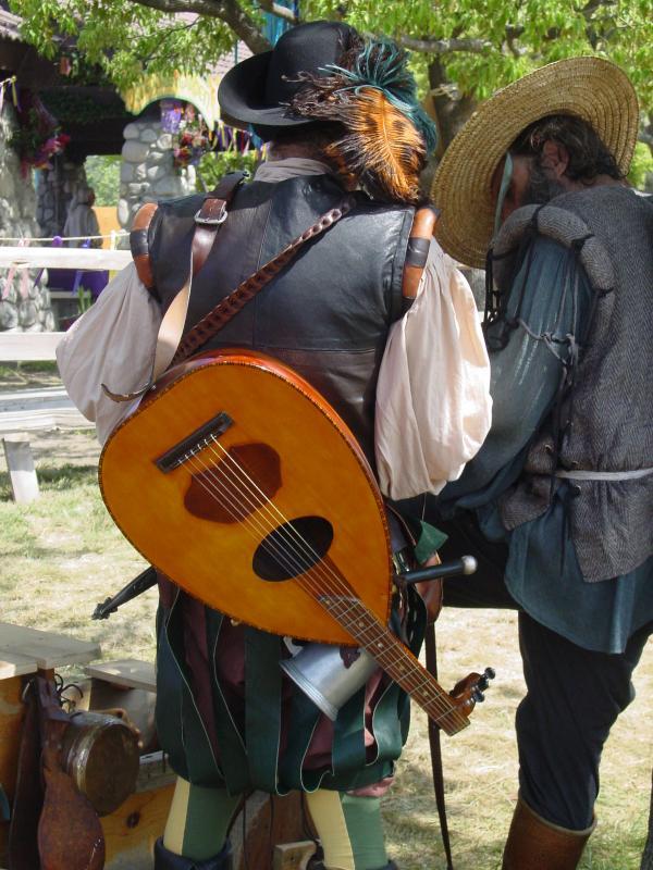 https://cf.ltkcdn.net/costumes/images/slide/105149-600x800-minstrel.jpg