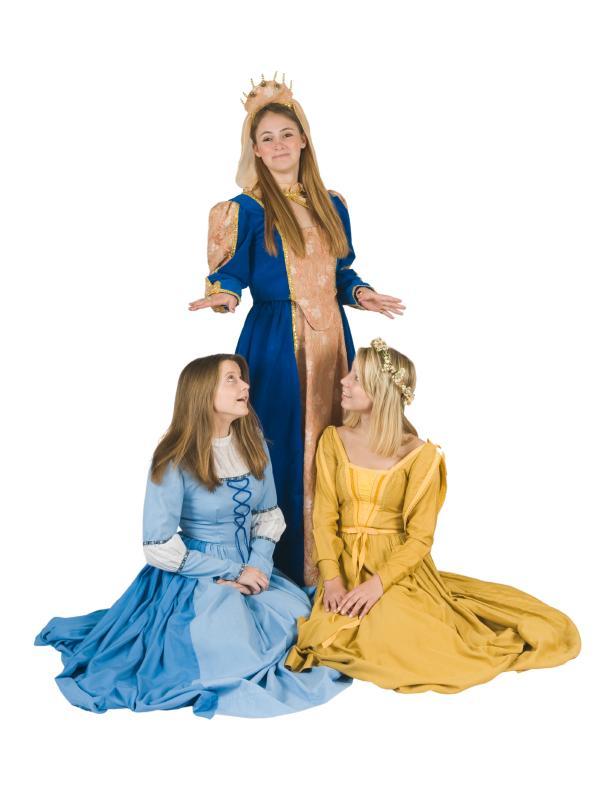 https://cf.ltkcdn.net/costumes/images/slide/105153-603x796-Ren-Faire-Ladies.jpg