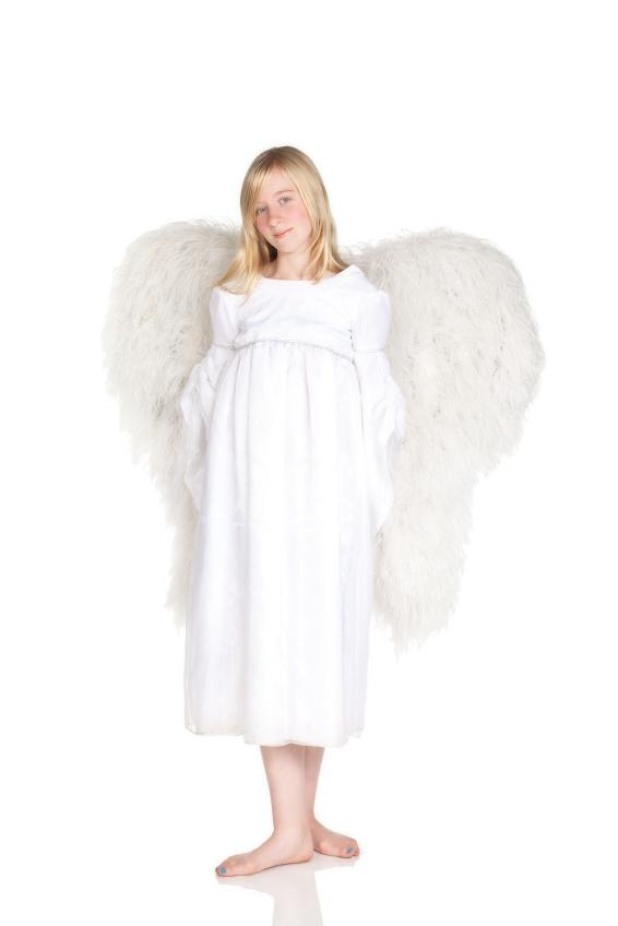 https://cf.ltkcdn.net/costumes/images/slide/105162-566x848r1-Angel.jpg