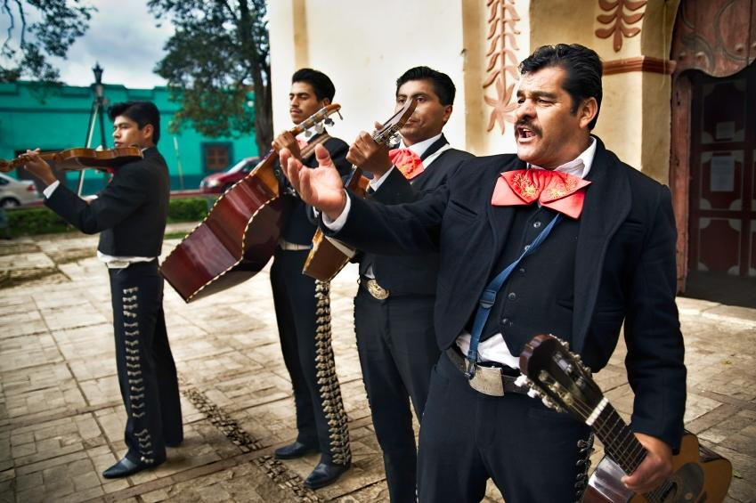 https://cf.ltkcdn.net/costumes/images/slide/105200-849x565-mariachi_band.JPG