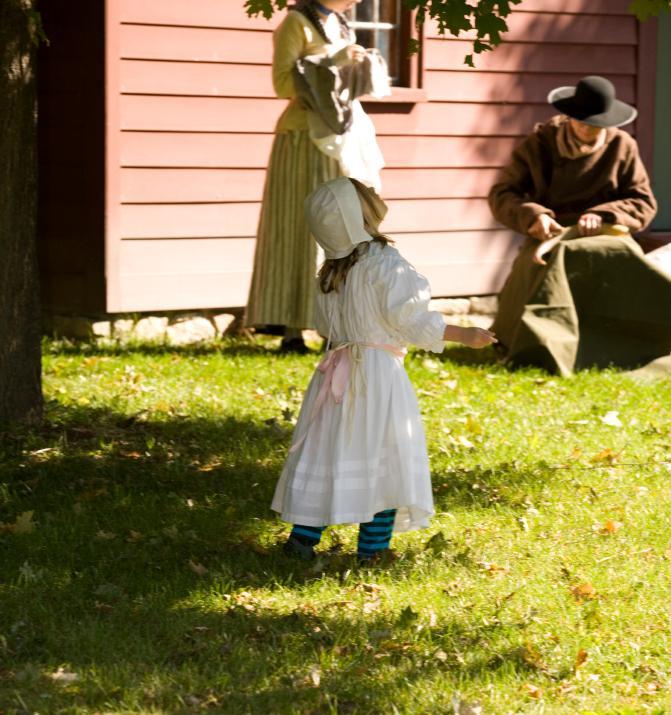 https://cf.ltkcdn.net/costumes/images/slide/105271-671x715-Colonial_Children.jpg
