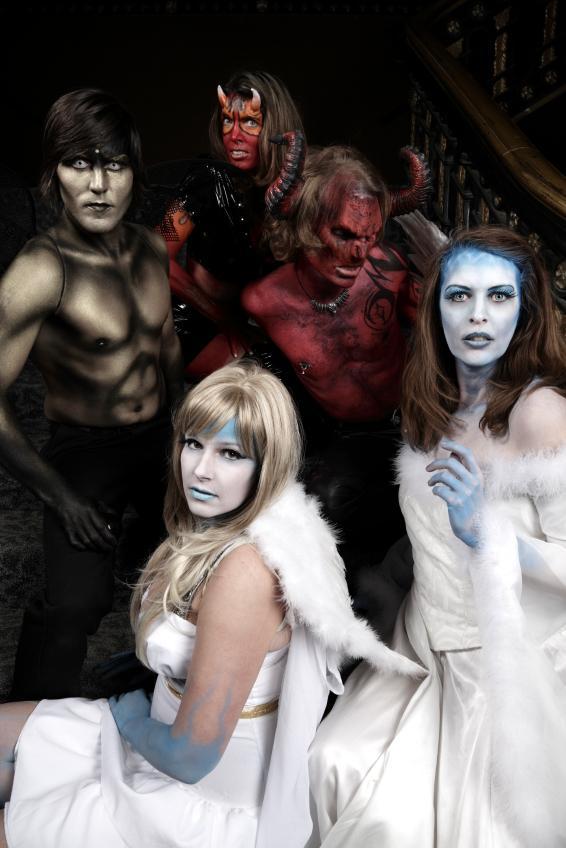 https://cf.ltkcdn.net/costumes/images/slide/146054-566x848r1-group-costume-angels-demons.jpg