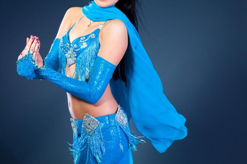 https://cf.ltkcdn.net/costumes/images/slide/154284-849x565r1-traditional-dance-costume.jpg