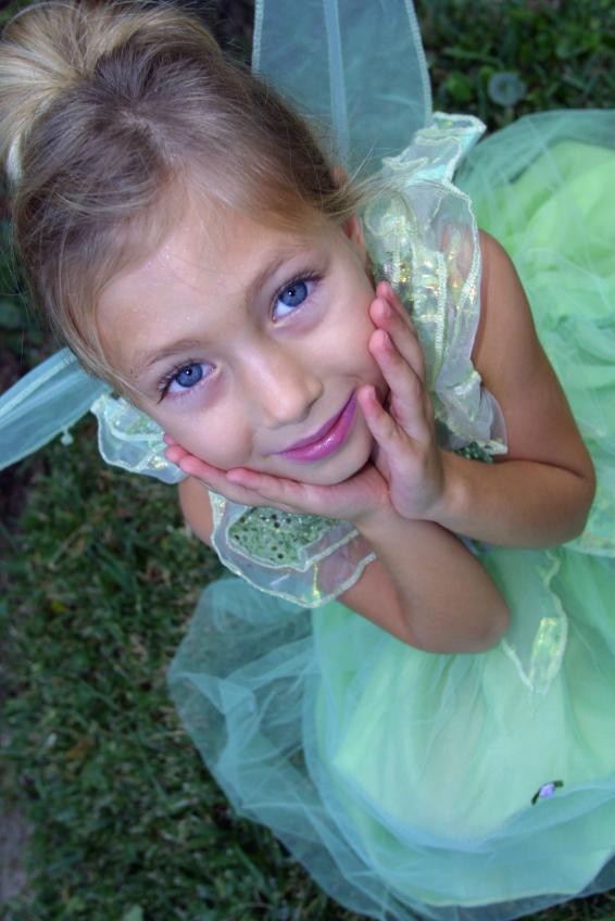 https://cf.ltkcdn.net/costumes/images/slide/164853-566x848-Fairy.jpg