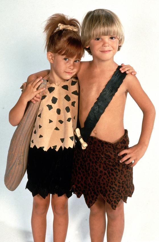 https://cf.ltkcdn.net/costumes/images/slide/164955-559x850-pebbles-bamm-bamm.jpg