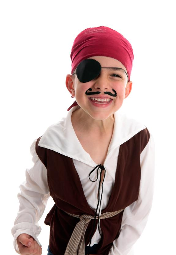 https://cf.ltkcdn.net/costumes/images/slide/165780-575x835-boy-pirate-1.jpg
