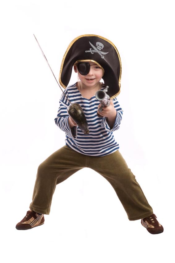 https://cf.ltkcdn.net/costumes/images/slide/165781-566x848-boy-pirate-2.jpg