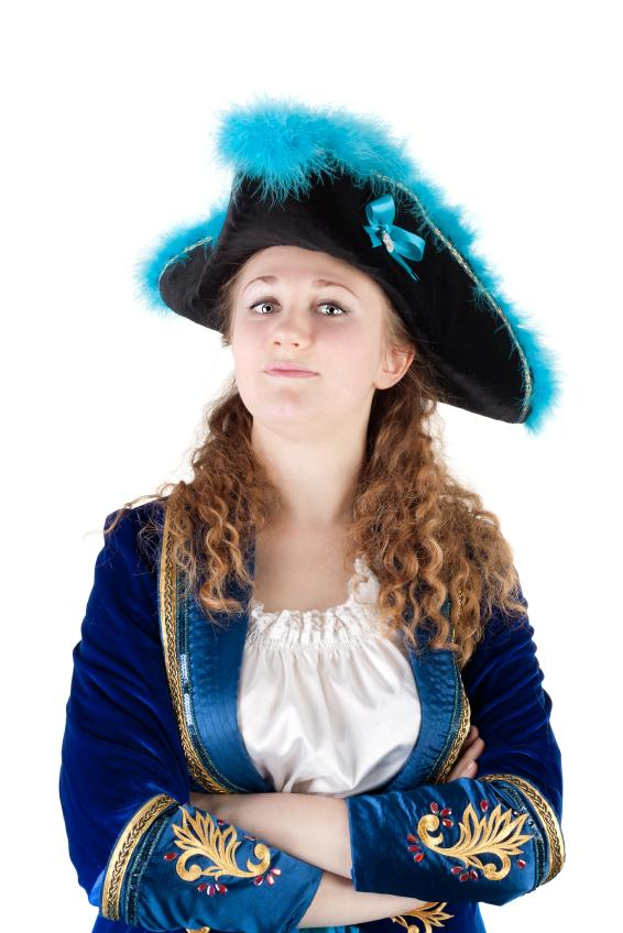 https://cf.ltkcdn.net/costumes/images/slide/165786-566x848-girl-teen-pirate.jpg