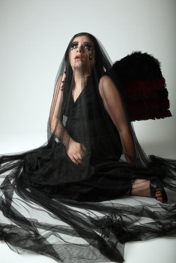 https://cf.ltkcdn.net/costumes/images/slide/167165-566x848-vampire-fairy.jpg