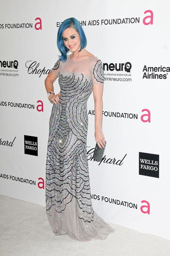 https://cf.ltkcdn.net/costumes/images/slide/186977-566x850-katie-perry-with-blue-hair.jpg