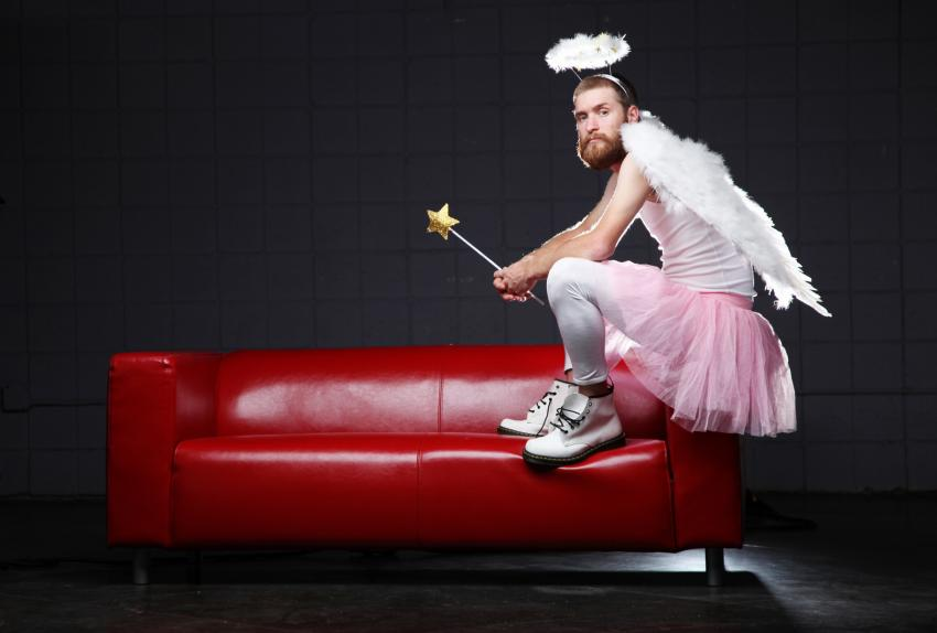 https://cf.ltkcdn.net/costumes/images/slide/247434-850x574-bearded-angel-costume.jpg