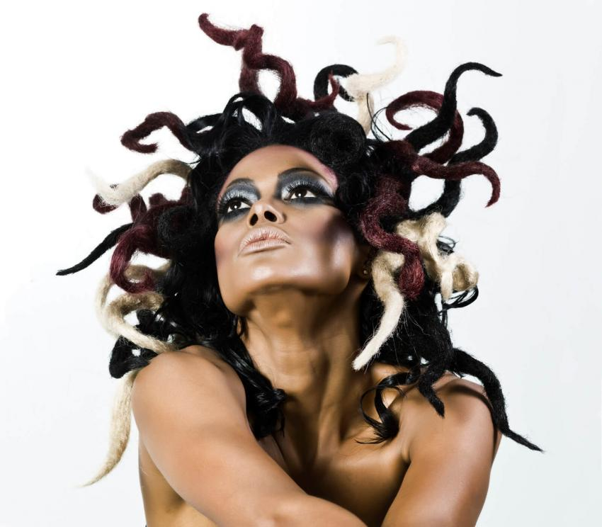 https://cf.ltkcdn.net/costumes/images/slide/249964-850x744-17-adult-costume-ideas.jpg