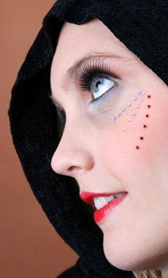 https://cf.ltkcdn.net/costumes/images/slide/104961-242x400-gypsy4.jpg