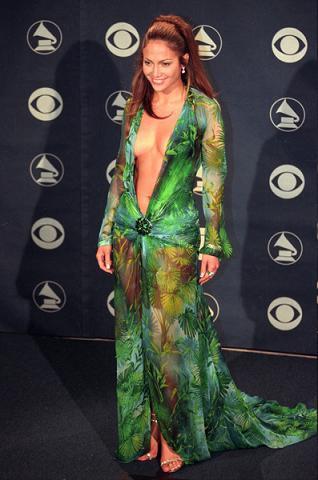 https://cf.ltkcdn.net/costumes/images/slide/105005-318x480-Jennifer-Lopez33109.jpg
