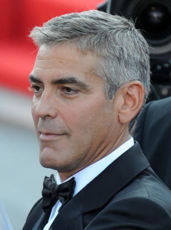 https://cf.ltkcdn.net/costumes/images/slide/105055-444x600-George-Clooney.jpg