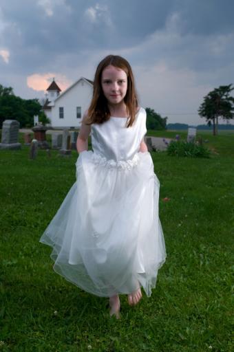 https://cf.ltkcdn.net/costumes/images/slide/105101-565x850-Bride-Costume.jpg