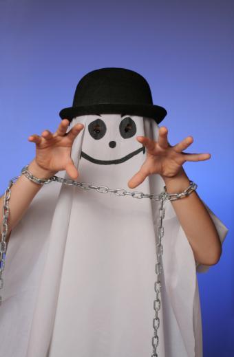 https://cf.ltkcdn.net/costumes/images/slide/105102-557x850-Ghost-Costume.jpg