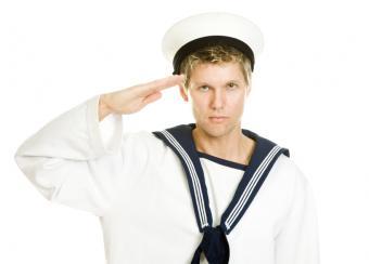 https://cf.ltkcdn.net/costumes/images/slide/105106-818x587-Sailor-Costume.jpg