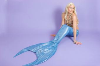 https://cf.ltkcdn.net/costumes/images/slide/105123-849x565-blond_mermaid.jpg