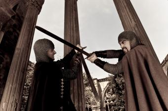 https://cf.ltkcdn.net/costumes/images/slide/105147-849x565-Knights.jpg