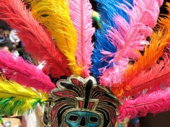 https://cf.ltkcdn.net/costumes/images/slide/105198-800x600-aztec_headdress.JPG