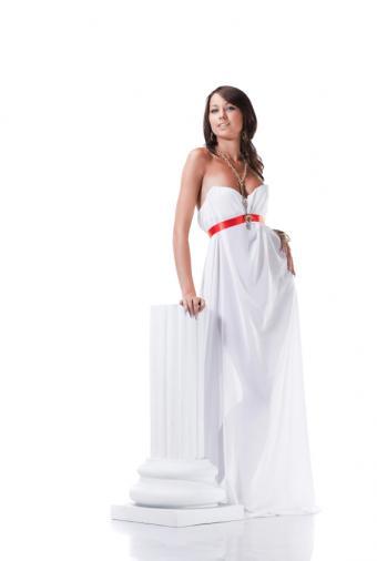 https://cf.ltkcdn.net/costumes/images/slide/105221-568x845-Greek_Goddess_4.jpg