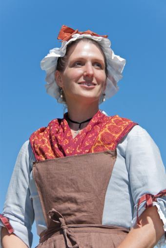 https://cf.ltkcdn.net/costumes/images/slide/105269-566x848-Colonial_Woman.jpg