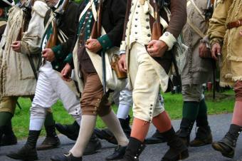 https://cf.ltkcdn.net/costumes/images/slide/105272-849x565-Colonial_Soldiers.jpg
