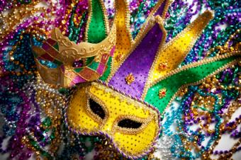 How to Make a Mardi Gras Costumes With Easy DIY Ideas