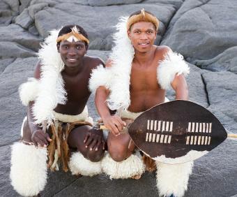 https://cf.ltkcdn.net/costumes/images/slide/167326-850x704-Zulu-men.jpg