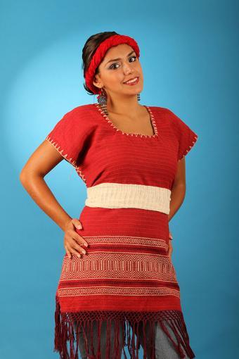 https://cf.ltkcdn.net/costumes/images/slide/171408-567x850-Mexican-Huipil.jpg