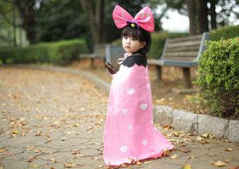 Little girl pink magician costume