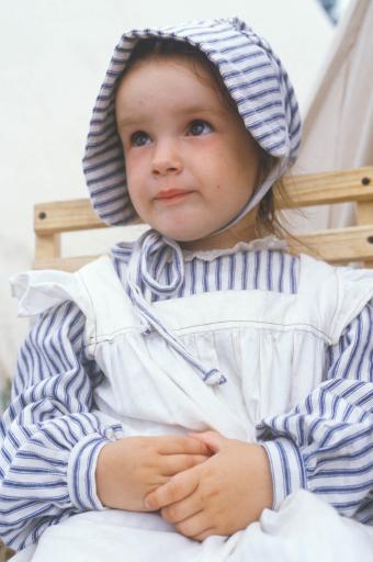 child's Civil War-era costume