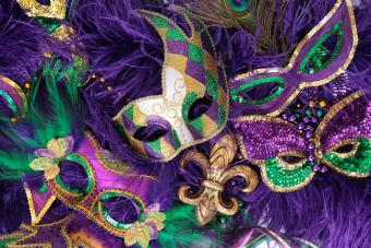 https://cf.ltkcdn.net/costumes/images/slide/247770-850x567-purple-mardi-gras-masks.jpg