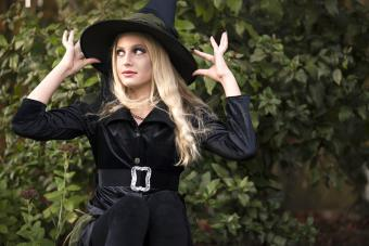 Girl Dressed in Black Witch Halloween Costume