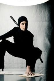Ninja costume for a woman