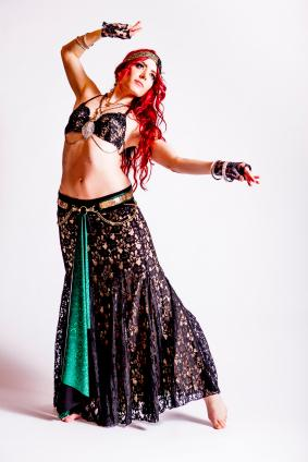 Woman dressed as a gypsy  sc 1 st  Costumes - LoveToKnow & Homemade Gypsy Costume
