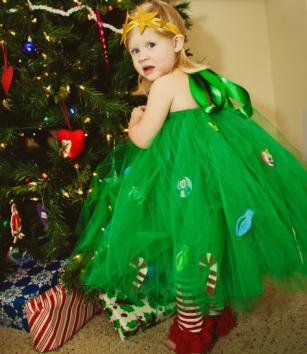 Homemade christmas costumes christmas tree solutioingenieria Images