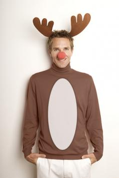 Homemade christmas costumes lovetoknow reindeer costume solutioingenieria Images