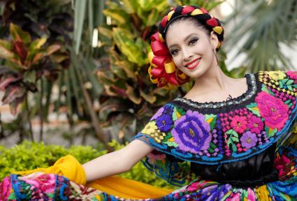 Xiutla dancer, folkloristic Mexican dancer