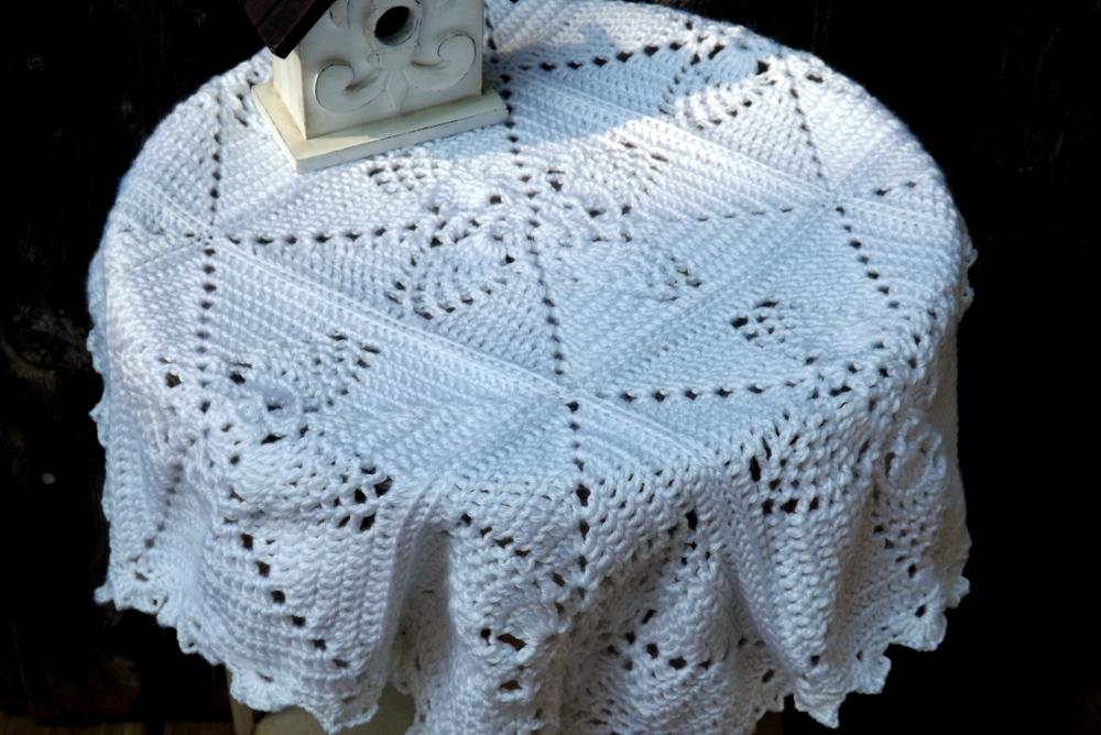 Pineapple Tablecloth Crochet Pattern Lovetoknow