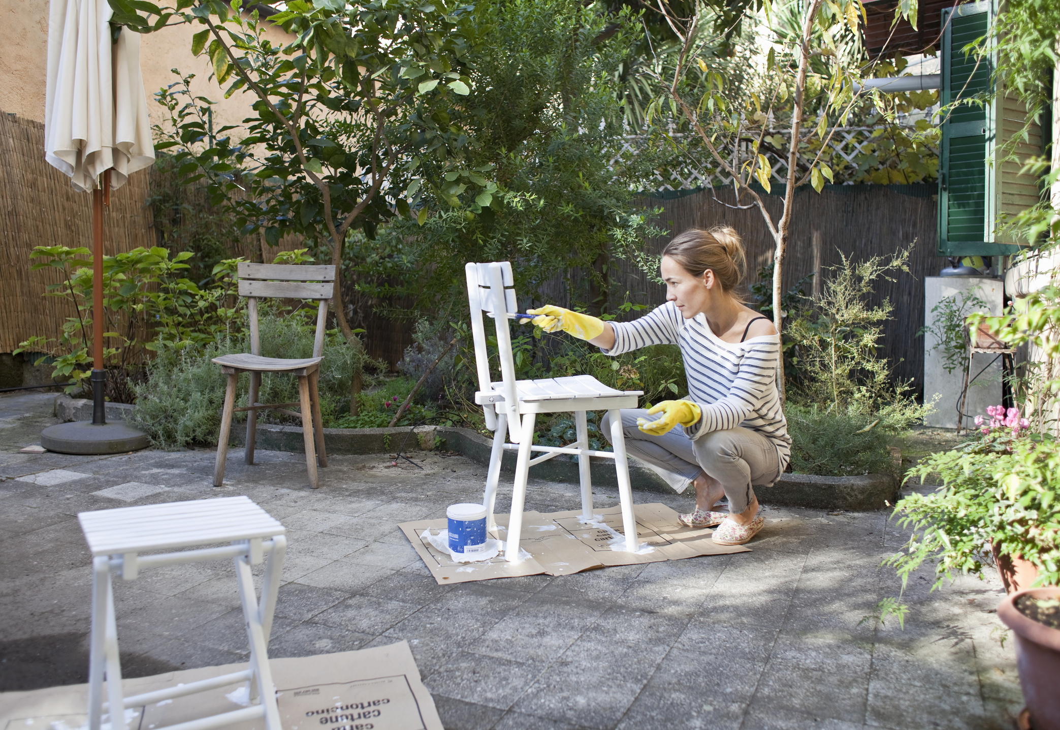 painting-wooden-chairs.jpg